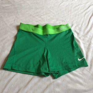Women's Nike Shorts - EUC